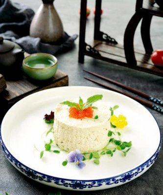鱼仔酱配香椿豆腐